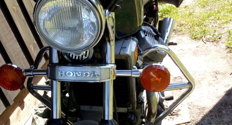 Till salu Honda CX 500 1982,gubbkörd ring 07630710