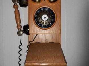 Antik väggtelefon